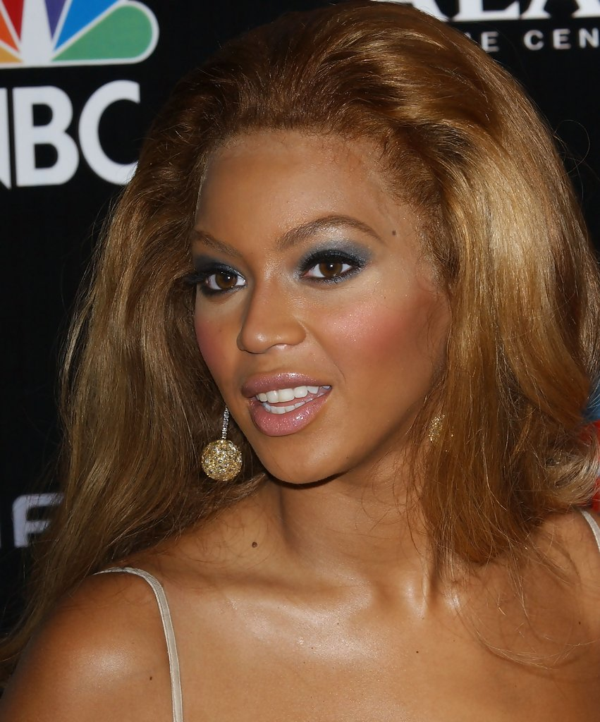 Beyonce Knowles Style for a Party for Her New Album