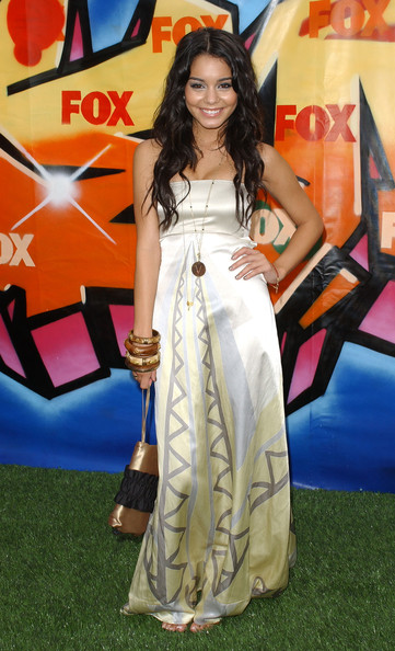 Vanessa Hudgens 2007 Teen Choice Awards - Arrivals.