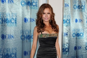 Tracey E. Bergman 2011 People's Choice Awards - Arrivals