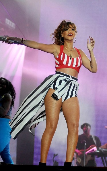 Rihanna in Stars at 'Rock in Rio'