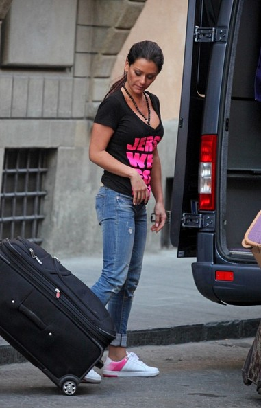 pictures of the jersey shore cast in italy. Jersey Shore Cast Moves Into