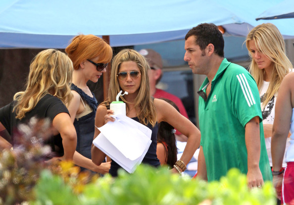 Adam Sandler and Jennifer Aniston Photos Photos - The Cast ...