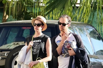 Adam Shulman Anne Hathaway and Her Husband Hang in Miami