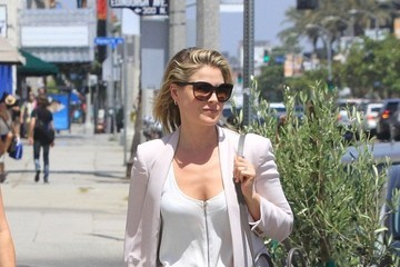 Ali Larter Ali Larter Goes to Lunch