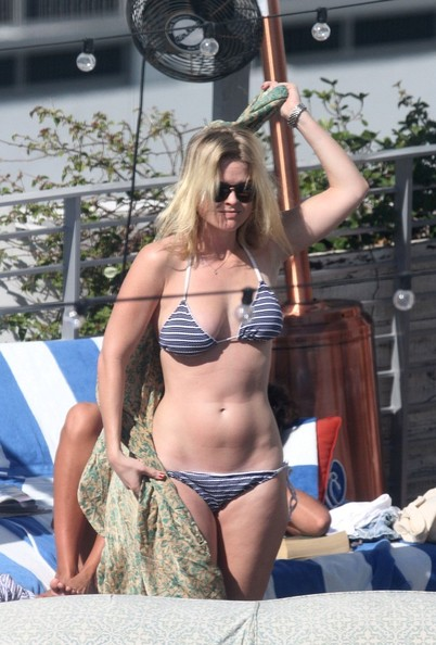 Alice Eve Pictures Alice Eve At The Pool Zimbio