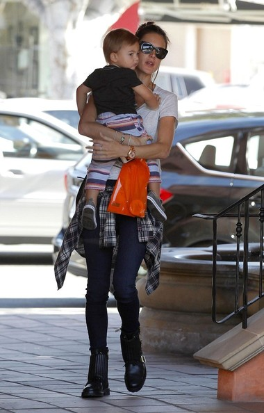 Alessandra ambrosio hangs with her son pictures