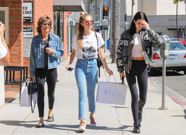 Lisa Rinna Has a Day Out With Daughters Amelia Gray and Delilah Belle