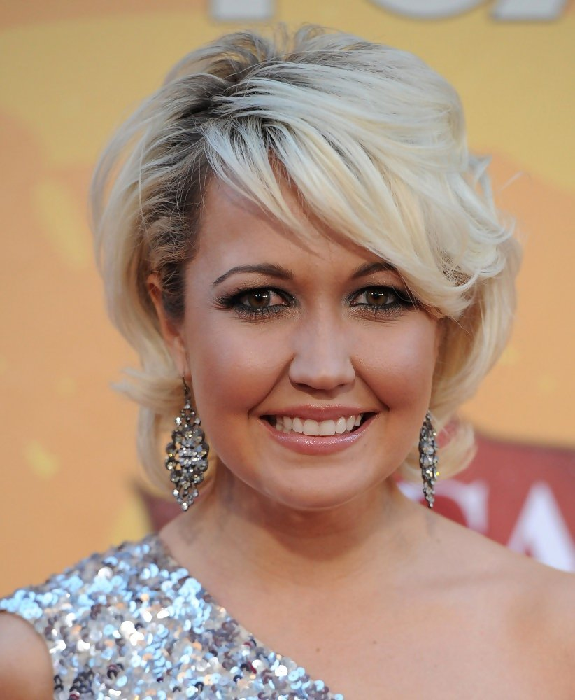 Meghan Linsey In American Country Awards 2010