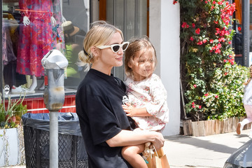 Ashlee Simpson Jagger Ross Ashlee Simpson And Daughter, Jagger, Step Out In L.A.