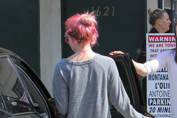 Ava Phillippe Ava Phillippe Dons a New Pink Hair Styling