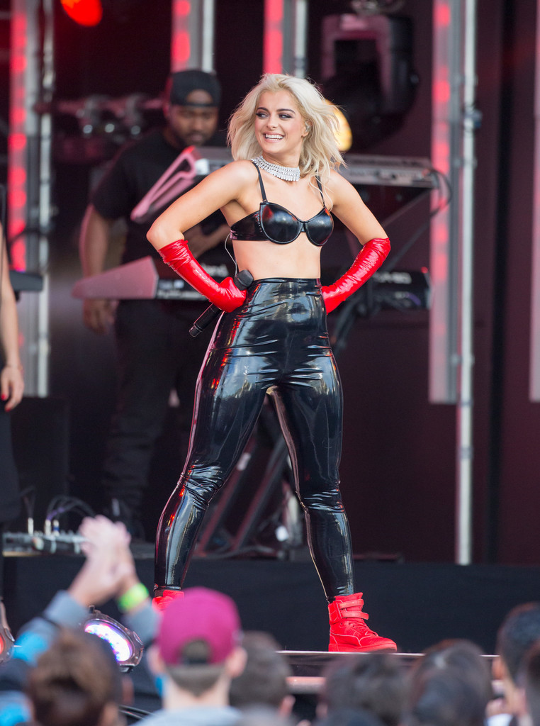 Bebe Rexha Photos Photos Bebe Rexha At Jimmy Kimmel