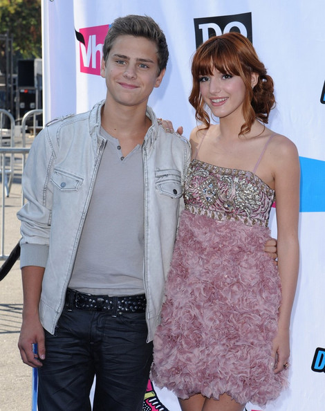 Are bella thorne and garrett backstrom still dating 2013