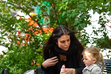 Bethenny Frankel Bethenny Frankel Takes Bryn to the Park