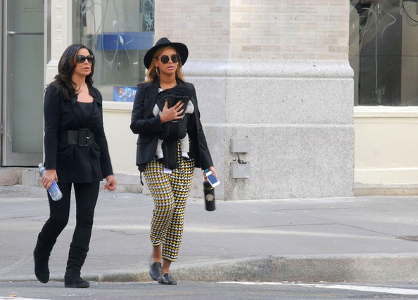 Blue Ivy Carter Beyonce totes her daughter Blue Ivy Carter (b. January 7, 2012) in a baby carrier as she and her mother Tina Knowles take a stroll through Manhattan on a sunny afternoon.