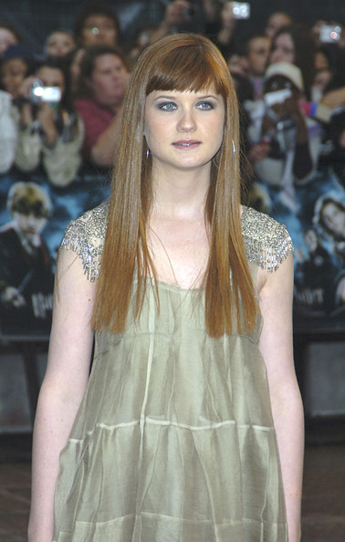 Bonnie Wright Photos - Harry Potter Premieres in London ...