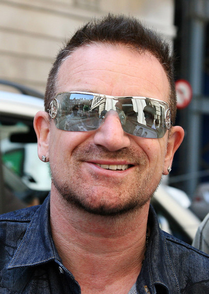Bono+smiles+and+signs+KqvsIFLXTpcl.jpg