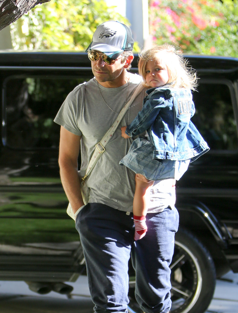 Bradley Cooper Photos»PhotostreamBradley Cooper And Daughter Lea De Seine Shayk Cooper Are Seen Out In L.A.