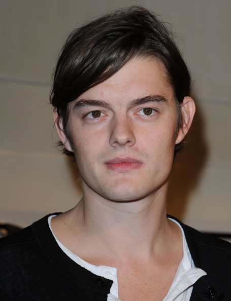 Sam Riley in Burberry Party - Zimbio