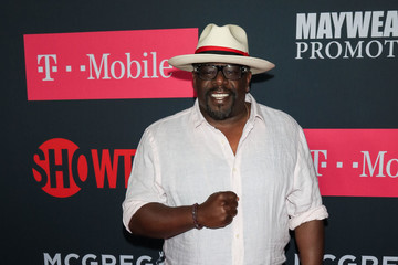 Cedric the Entertainer VIP Pre-Fight Party Arrivals on the T-Mobile Magenta Carpet for Mayweather VS McGregor