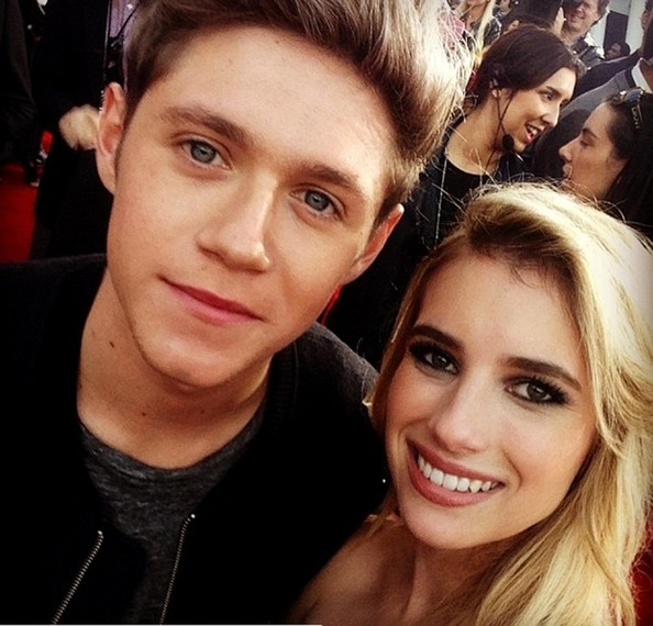 She Takes Selfies With Niall Horan Emma Roberts Celebrity