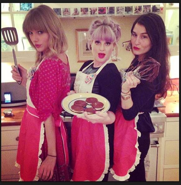 halloween costume inspiration from the music of 2013 taylor swift - What Was Taylor Swift For Halloween