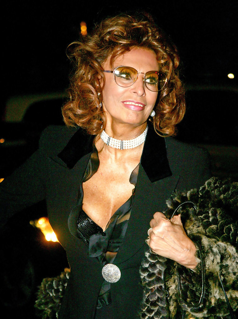Sophia Loren Photos Photos - Celebs at Armani - Zimbio