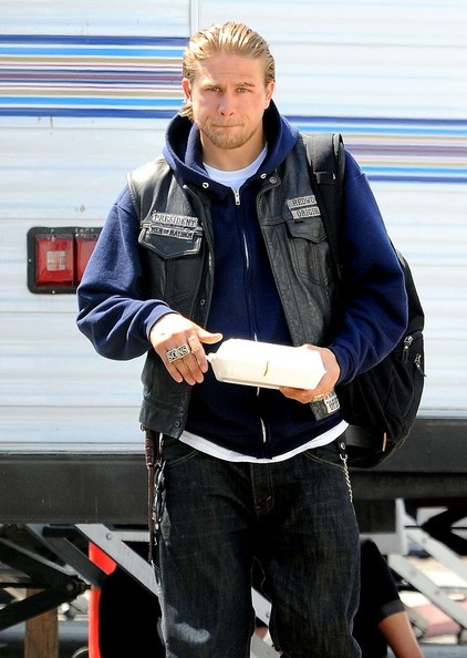 Charlie Hunnam - Charlie Hunnam Takes a Break on Set
