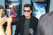 Charlie Sheen Photos Photo