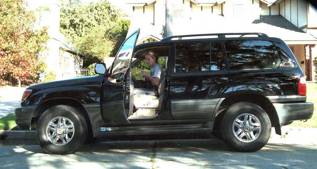 photo of Christina Applegate Mercedes Benz GL - car