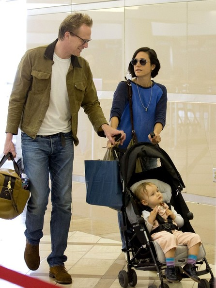 jennifer connelly and paul bettany fly with family zimbio