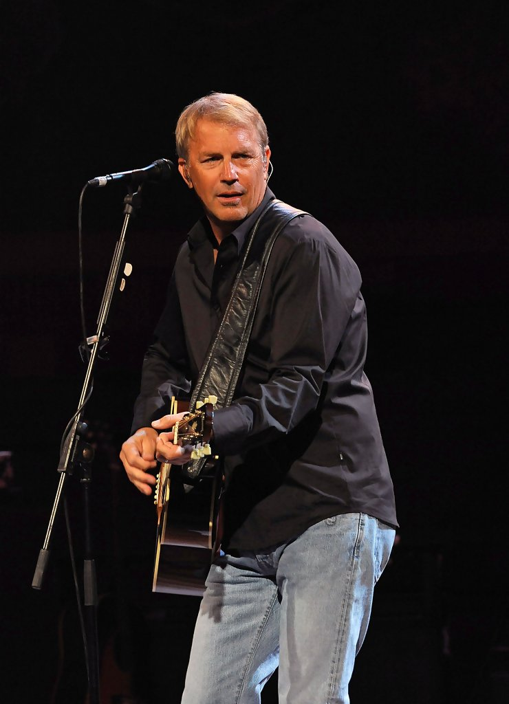 kevin costner performs