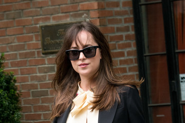 Dakota Johnson Dakota Johnson Leaves Her New York City Hotel