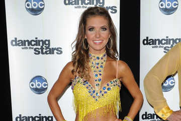 http://www1.pictures.zimbio.com/bg/Dancing+with+the+Stars+2010+JfXfXo6lNa7m.jpg