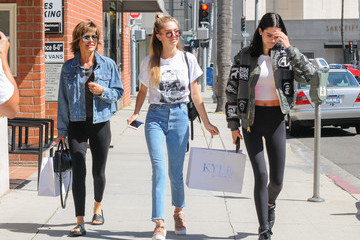 Delilah Hamlin Amelia Hamlin Lisa Rinna Has a Day Out With Daughters Amelia Gray and Delilah Belle