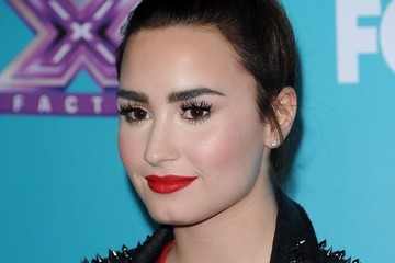 Demi Lovato Eyebrows X Factor