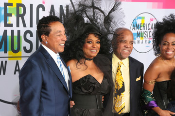 Diana Ross Berry Gordy 2017 American Music Awards