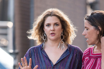 Drew Barrymore Drew Barrymore At 'Jimmy Kimmel Live'
