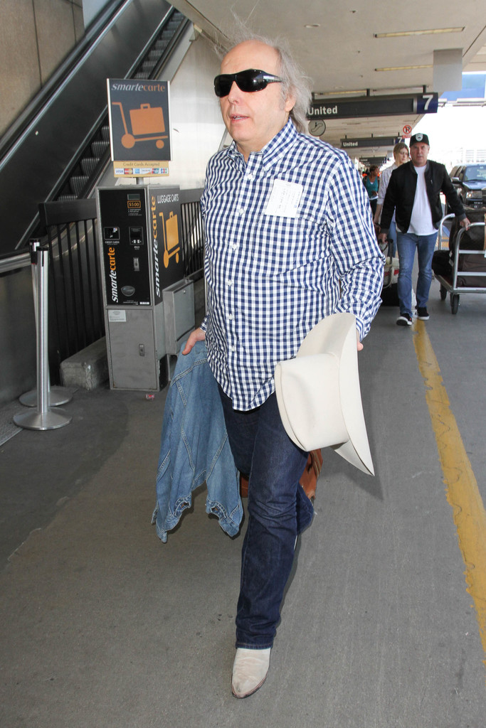 Dwight Yoakam Photos Photos Dwight Yoakam At Lax Zimbio