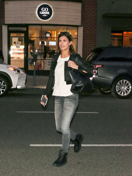 Elisabetta Canalis Shops In Beverly Hills