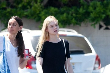 Elle Fanning Elle Fanning Leaves the Gym