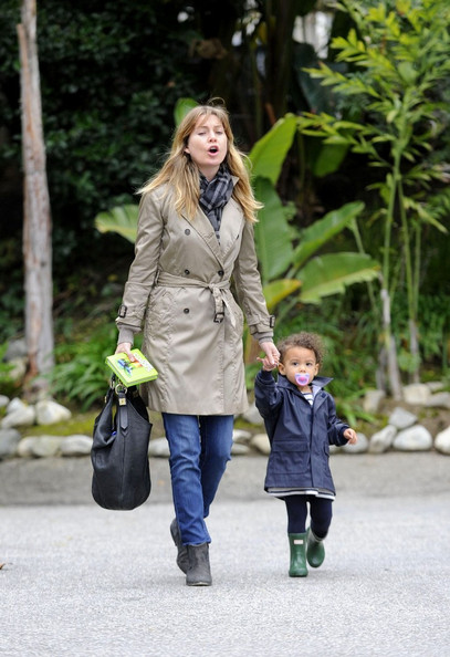 Ellen Pompeo - Ellen and Stella leave lunch