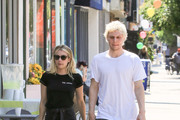 Evan Peters Emma Roberts Photos Photo