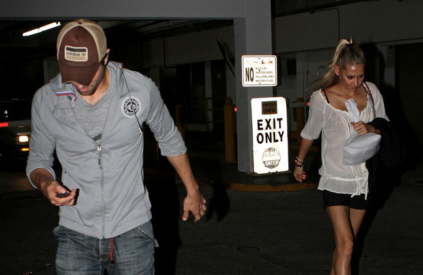 anna kournikova and enrique iglesias make out. Anna Kournikova and Enrique