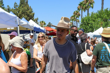 Evan Ross Ashlee Simpson At The Farmer's Market in L.A.