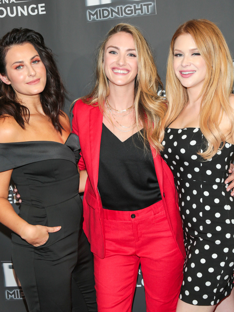 Renee Olstead Scout Taylor Compton Landry Allbright Landry Allbright Photos Feral Premiere At Arena Cinalounge Zimbio She also had recurring roles on hit shows will & grace (as nancy), and malcolm in the middle (as julie houlerman). renee olstead scout taylor compton