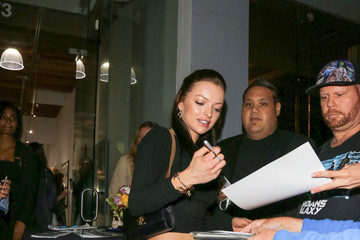 Francesca Eastwood Francesca Eastwood Is All Smiles at De Re Gallery in West Hollywood