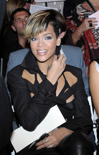 Rihanna Purple Eyeshadow Rihanna Zimbio