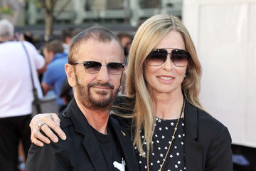 Family photo of the actress, married to Ringo Starr,  famous for Mio padre Monsignore.