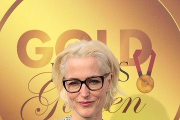 Gillian Anderson GOLD MEETS GOLDEN: The 5th Anniversary Refreshed by Coca-Cola, Globes Weekend Gets Sporty with Athletic Royalty