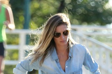 Gisele Bundchen Gisele Bundchen Out with Her Kids